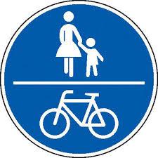 Fussgänger und Fahrräder erlaubt